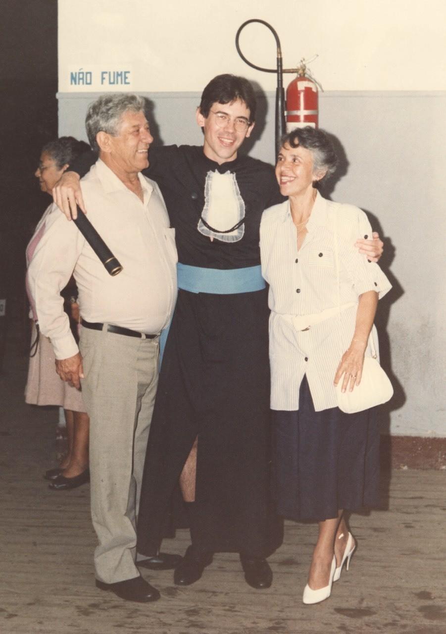 Formatura Paulo com Armando e Terezinha