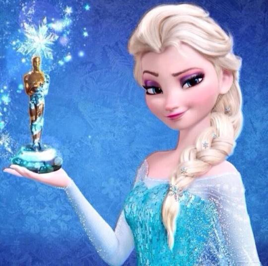 FROZEN Una Aventura Congelada de Disney fue una pelicula que gano los Oscar 2013 de peliculas para niños. Sobre acción, emoción, amor y por supuesto muy congelada. Eran 2 hermanas muy unidas las princesas del Reino, Anna y Elsa pero una de ellas nació con poderes de hielo y nieve, Elsa. Pero un día ocurrió un accidente en la noche en el Reino Anna y Elsa salieron a jugar con los poderes de Elsa y Anna se ha caido jugando se dió un golpe en la cabeza Elsa sin querer con su poder le dió en la cabeza los Reyes salieron a buscar ayuda con los Trols, curaron su erida pero Anna cuando desperto no sabia nada desde ese día Elsa se alejó de ella para protejerla de ella misma y Anna ya no sabia de sus poderes y Elsa siempre se enserraba en su cuarto. Un día los Reyes ivan a hacer un viaje. Pero el barco en que iván los Reyes se undio por la tormenta los Reyes murieron y quedaron las princesas Anna y Elsa. Llego el día en que Elsa ya era mayor de edad iva hacer la nueva Reyna del Reyno las puertas del castillo se abririan de nuevo y Anna estaba muy emocionada pero Elsa no mucho. Ese día todos conocerian a la Reyna Elsa. Continuara...