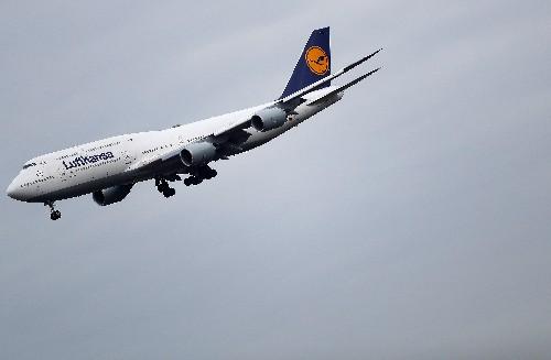 Lufthansa steuert mit Einsparungen gegen Belastung durch Coronavirus