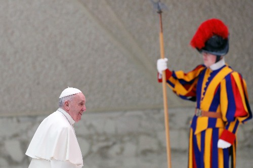 Pope Francis praises China's efforts to contain coronavirus