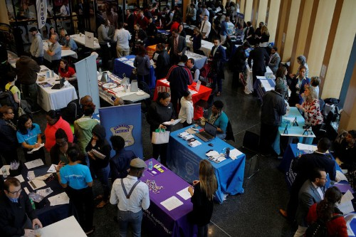 U.S. economy is adding plenty of jobs, but not hours for workers
