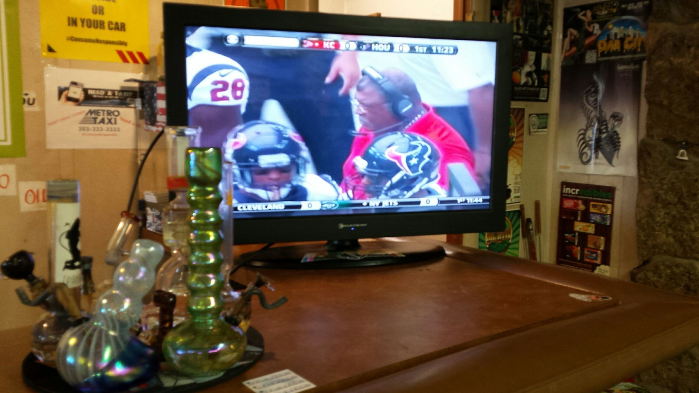 Bronco game starts at 2 p.m. Grab your weed and wax & come on down! #iBakeDenver #Dabs #Broncos