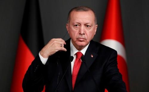 Erdogan says 400,000 people in Syria's Idlib moving toward Turkey