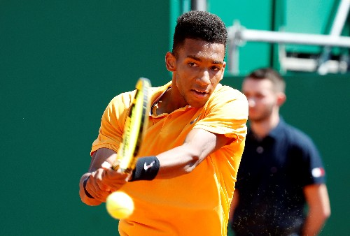 Auger-Aliassime set for Paire showdown in Lyon final