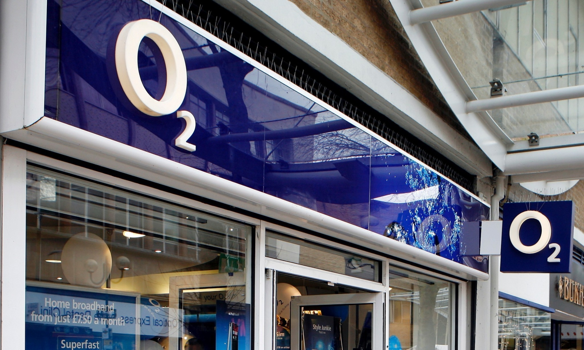 Three owner reportedly in talks to buy O2 in the UK