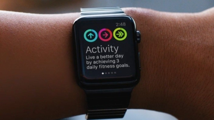 Fitbit fitness tracking lineup dropped from Apple Online Store
