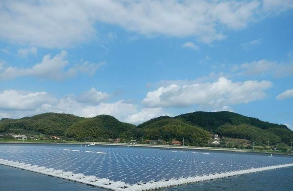 Solar Panels Floating on Water Will Power Japan's Homes