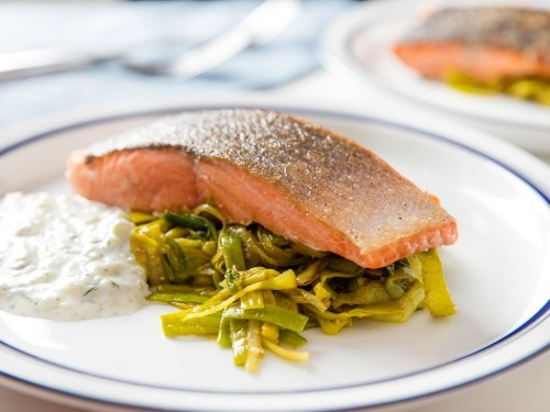 Just One Pan, All the Flavors: Seared Salmon With Curried Leeks