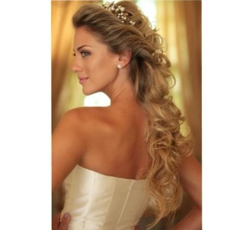 Esse é para as noivinhas que querem o cabelo solto / semi preso e com estilo princesinha. Muitoooooo fofa!!!