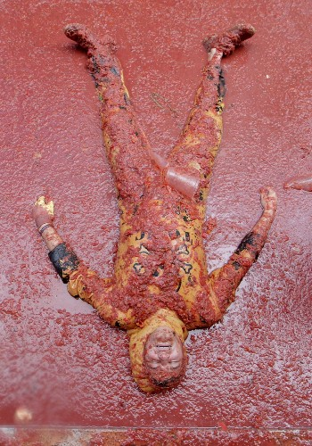 The Annual Tomatina Festival in Spain: Pictures
