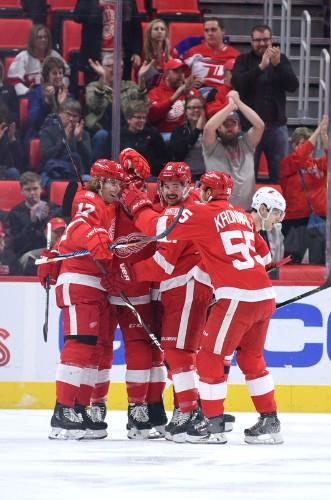 Gibbons' OT goal sends Devils past Red Wings