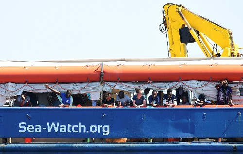 Migrant rescue boat enters Italian waters, defying government ban