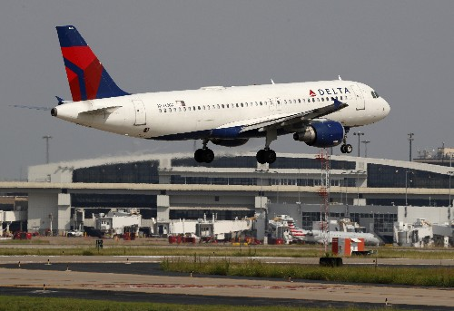 Record passenger traffic over the summer boosts Delta profit