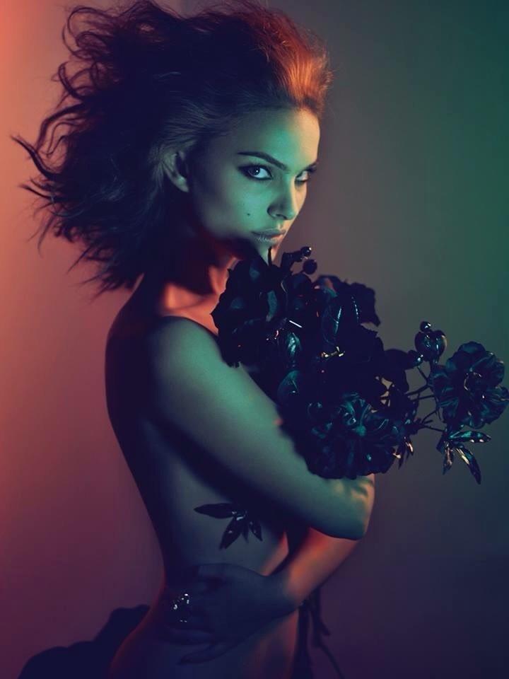Natalie Portman by Mert Alas & Marcus Piggott If you're inspired, please share.