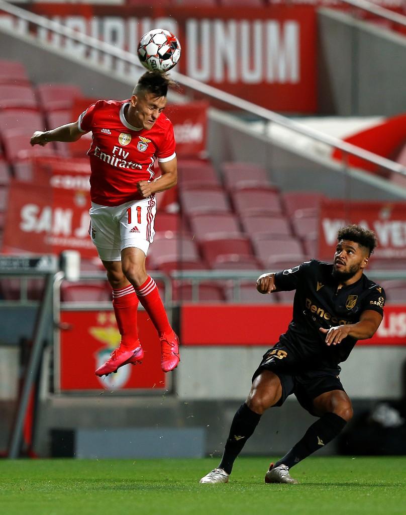 Benfica s'impose contre Guimaraes
