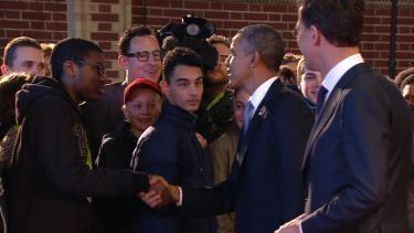 Barack Obama is op SCHIPHOL gelad! Anderen wereldleiders zijn ook in Nederland om te vergaderen over gevaarlijke stoffen.....