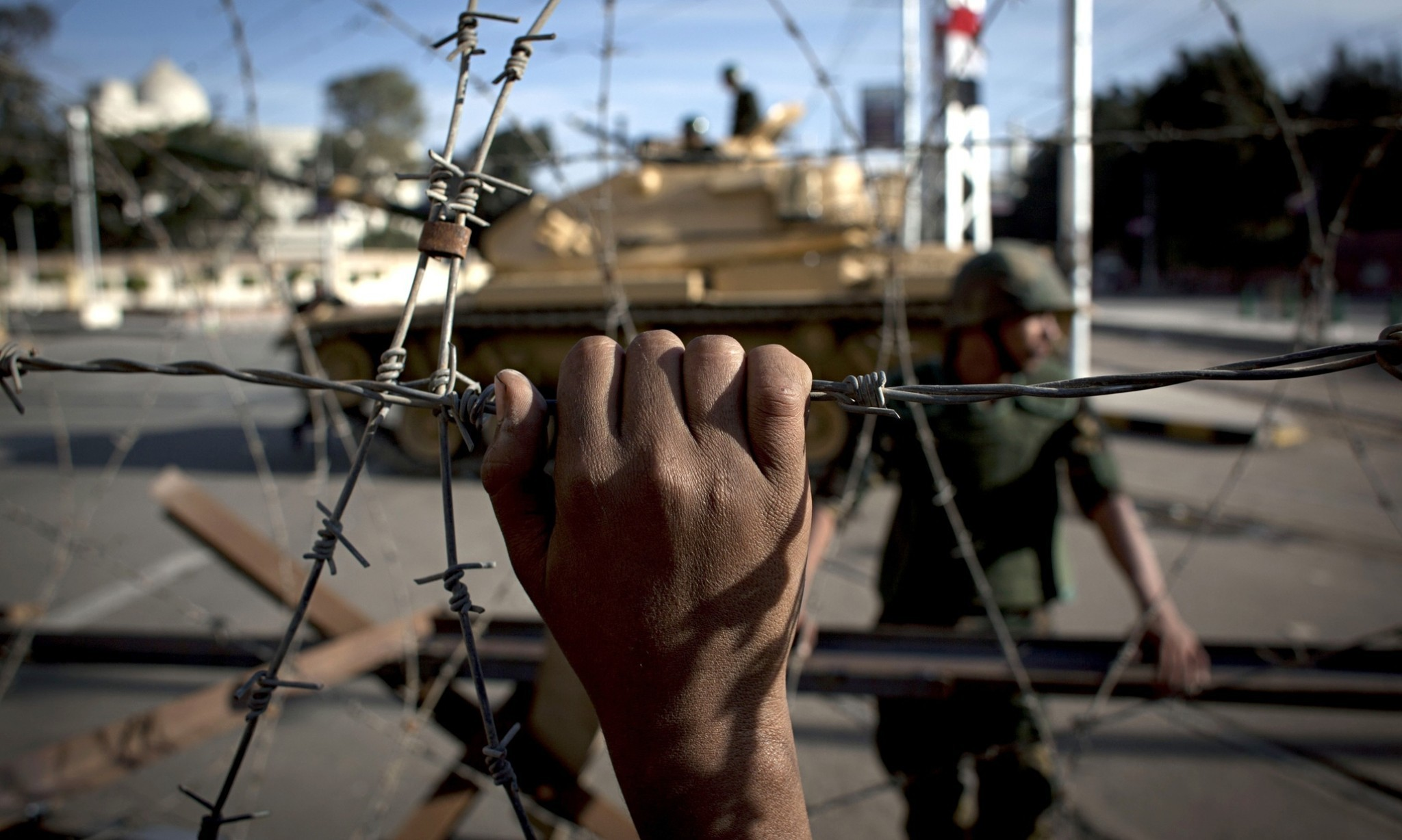 At least 25 killed in Egypt as militants attack army and police targets in Sinai