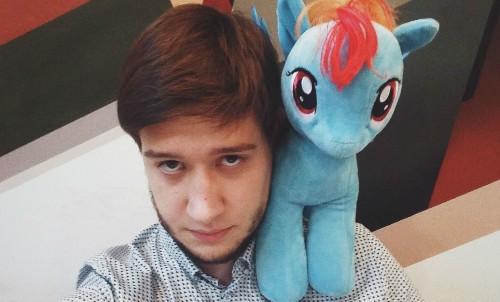 В центре внимания: Михаил Кафанов, создатель проекта «Интересные статьи»