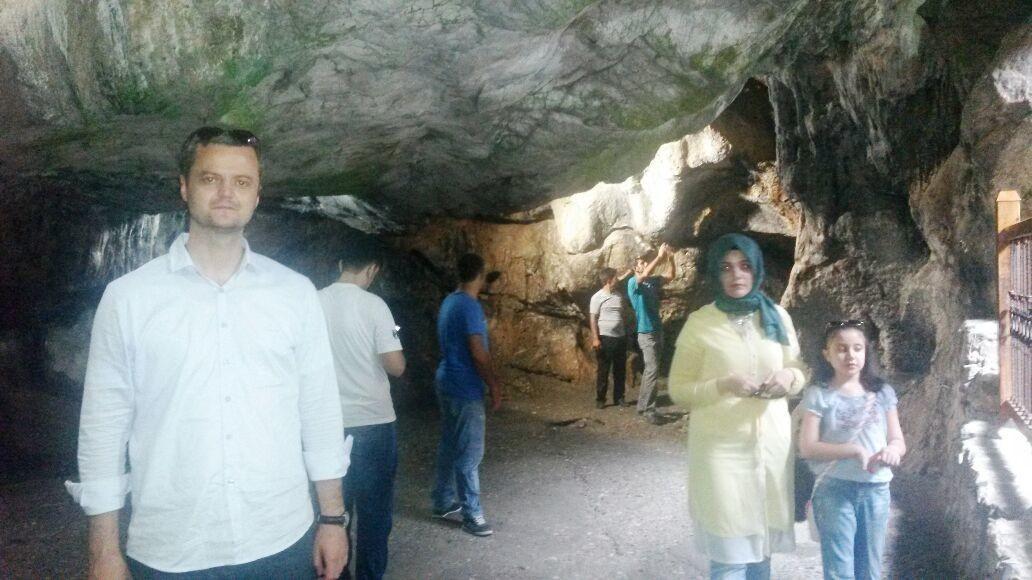 Bir Çok İnsan Yılın Değişik Zamanları Tarsus da Bulunan Ashab-ı Kehf Mağarasına Ziyaret Gerçekleştiriyor.
