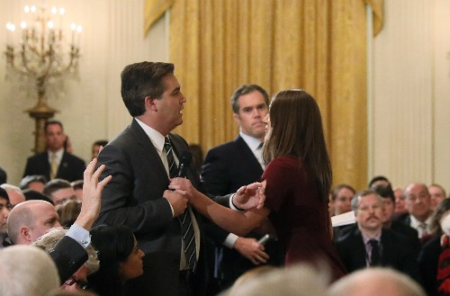 米CNNがトランプ政権を提訴、記者の入庁許可証の返還要求