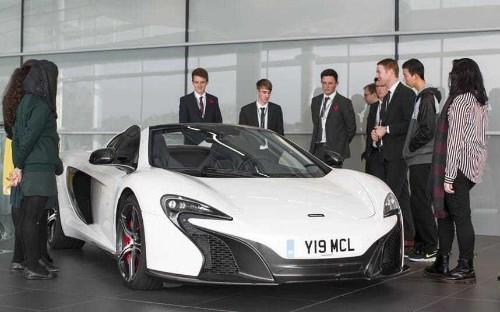 Apple 'in talks to buy McLaren'