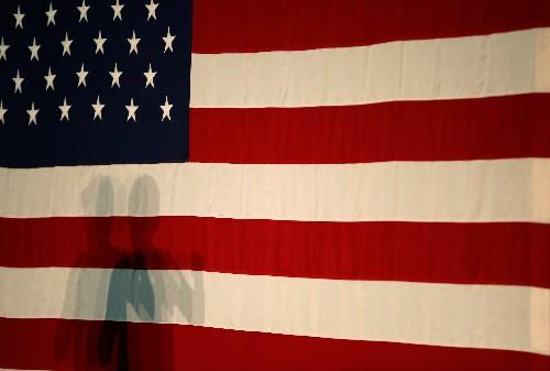 US-Einzelhändler machen Plus - Industrie fährt Produktion hoch