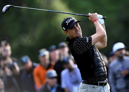 Golf-Thomas leads Scott by one shot early in third round at Riviera