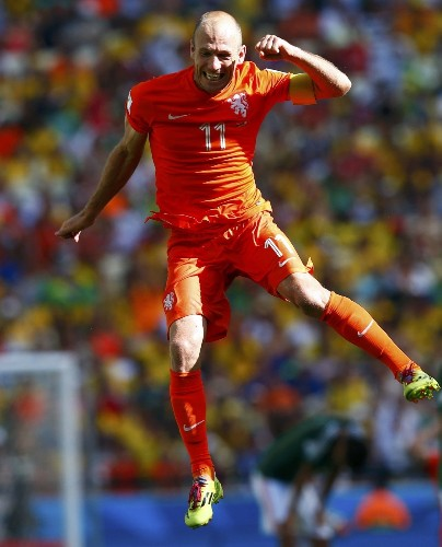 Dutch Score 2 Late And Shock El Tri: Pictures