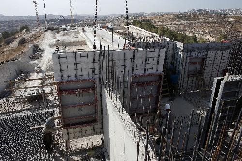 Israel irá aprovar milhares de assentamentos não autorizados na Cisjordânia