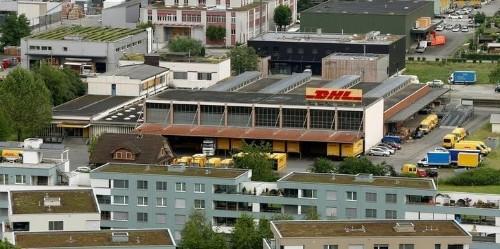 Versandhändler Otto prüft Kooperation mit Konkurrent DHL