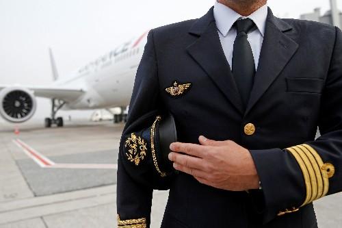Les pilotes de ligne menacent d'une grève dure en mai, rapporte La Tribune