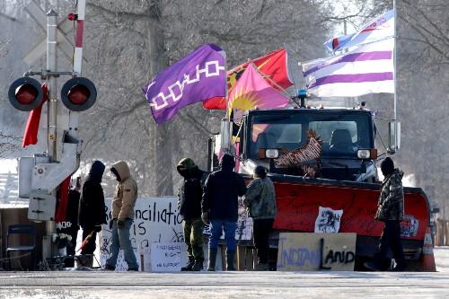 Trudeau says rail blockades must end, indigenous protesters remain defiant