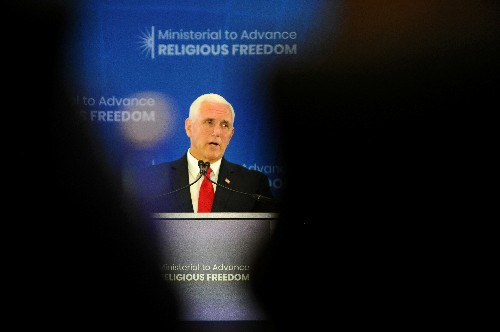 Pence calls on Saudi Arabia to release critic of Islam