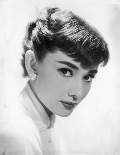 10 Vintage Beauty Secrets From Old Hollywood's Most Glamorous Stars