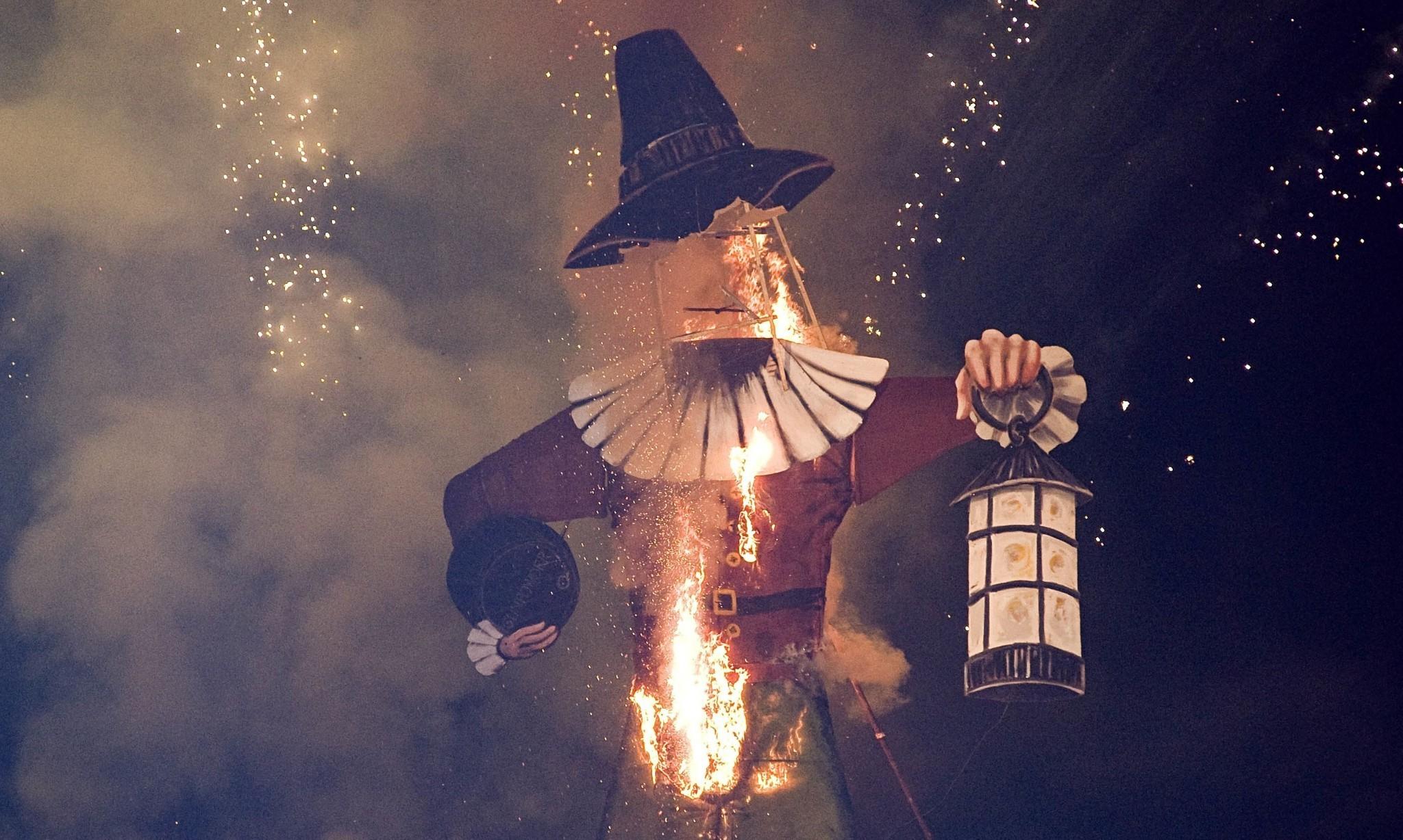 Gunpowder, treason and plot: literary conspiracy theories for bonfire night