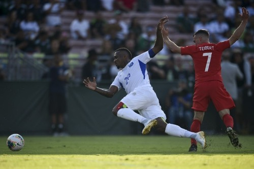 Canada crush Martinique 4-0 in Gold Cup opener