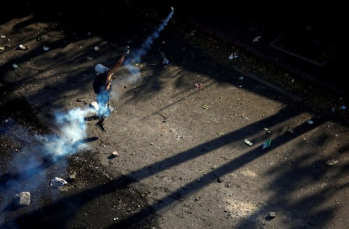 Maduro hangs on as Venezuelan protests peter out