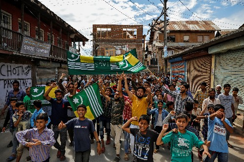 Hundreds chant anti-India slogans in seething Kashmir on eve of Eid