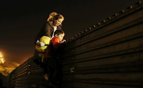 The Scene at the U.S.-Mexico Border: Pictures