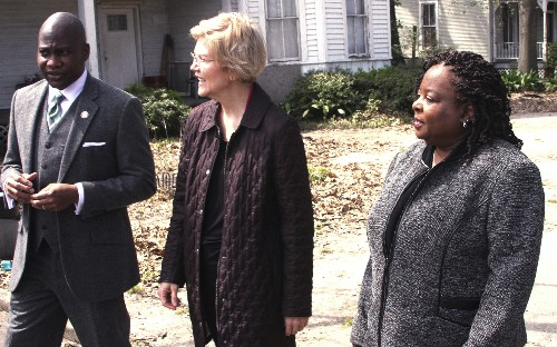 Warren backs congressional plan for reparations study