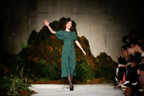 Alexa Chung goes 'off the grid', Holland dresses 'global citizen' at London Fashion