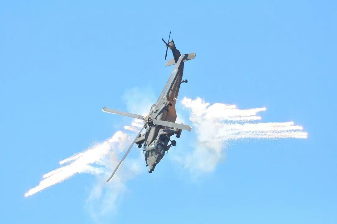 Helicóptero Arpía artillado y desarrollado en Colombia. Fuerza Aerea Colombiana.