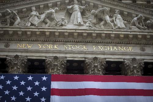 Wall Street portée par des signes de relance et le commerce