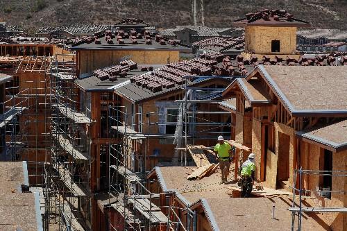 U.S. housing market mired in weakness; consumer sentiment ebbs