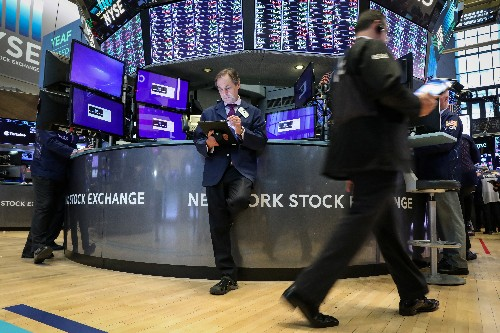S&P 500 closes at record high, even as EPS growth stagnates