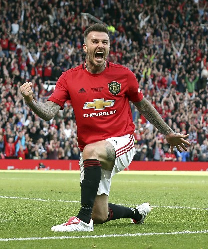 Beckham scores as United faces Bayern 20 years after CL win