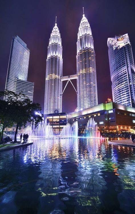 經過攝影師美化的吉隆坡雙峯塔。