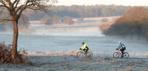 White Christmas Still To Early To Call As Snow And Ice Set To Spread Over UK