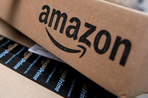 Amazon atinge máxima mensal com vendas online impulsionando compras nos EUA