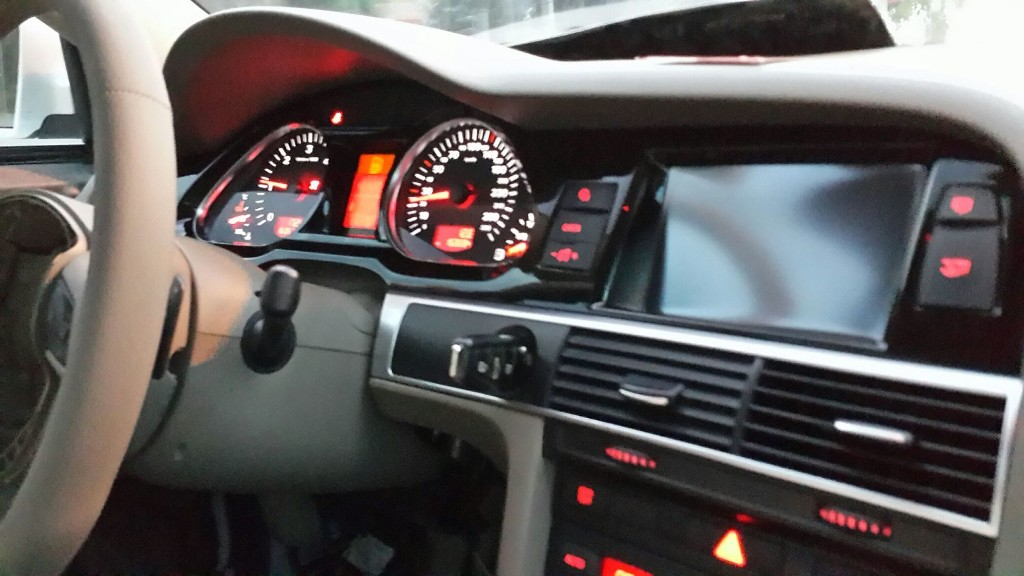Audi A6 4F - Magazine cover
